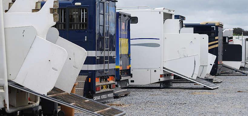 camions de transport de chevaux © Ifce